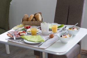 Frühstück BAUERs Gästehaus